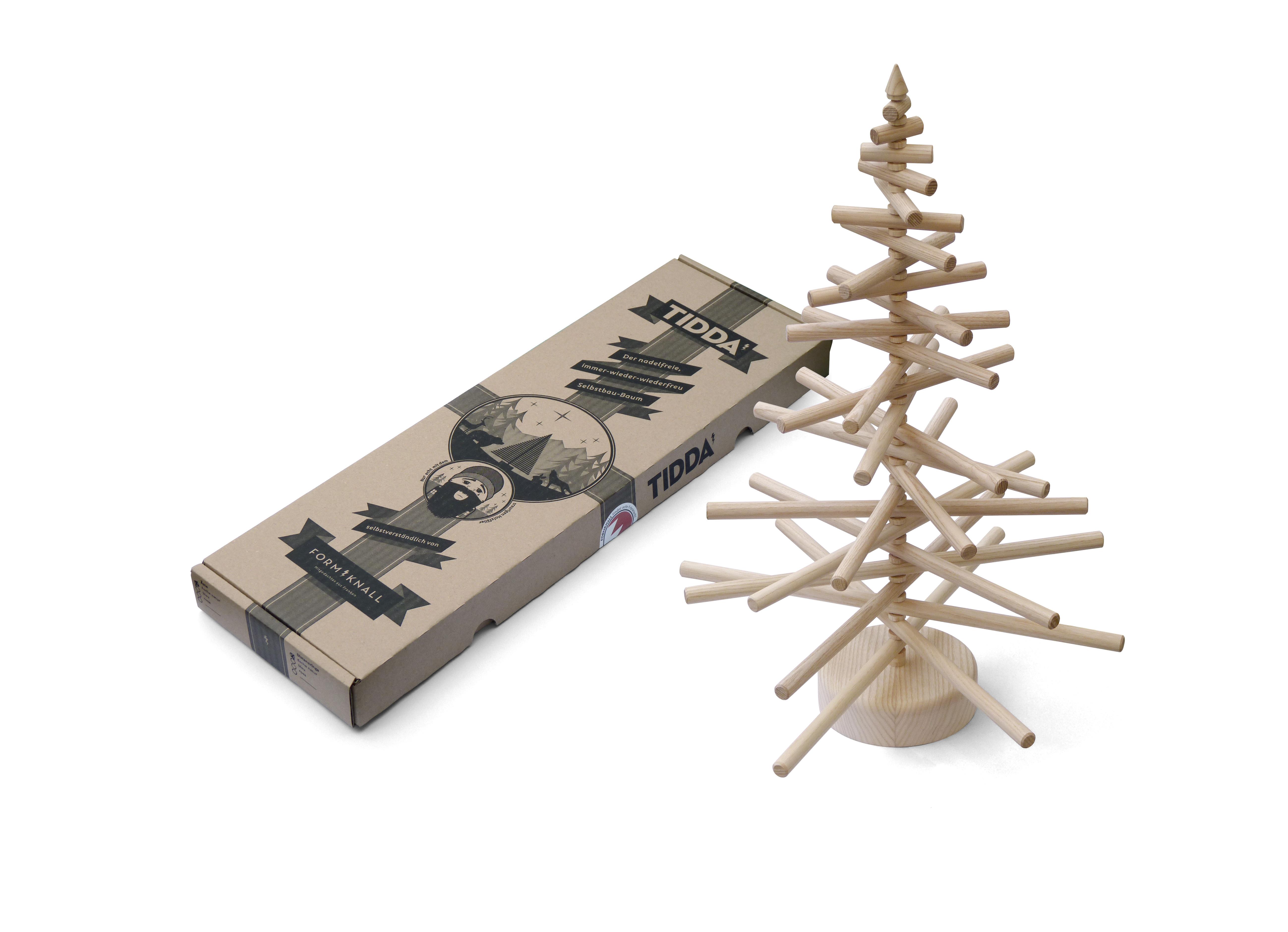 kreativer tidda esche holz weihnachtsbaum basteln und bauen isyliving isybe. Black Bedroom Furniture Sets. Home Design Ideas